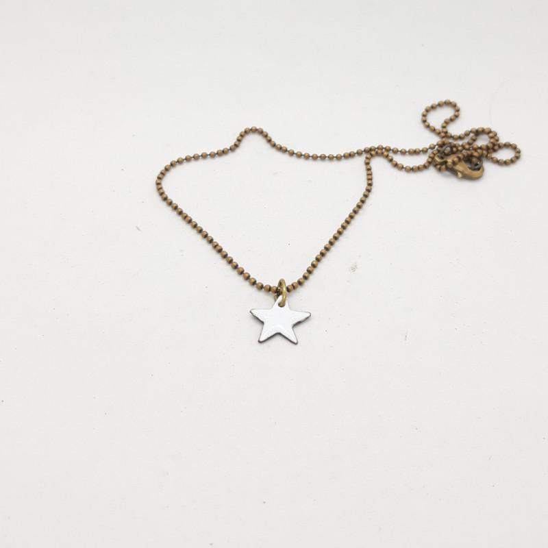 Collier étoile blanc
